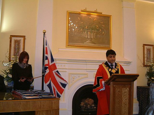 British Citizenship 2005 by https://www.flickr.com/photos/thisparticulargreg/