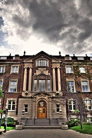 University of Alberta by WinterforceMedia WinterE229 [Public domain]