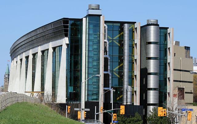 University of Ottawa by RobCA [Public domain]