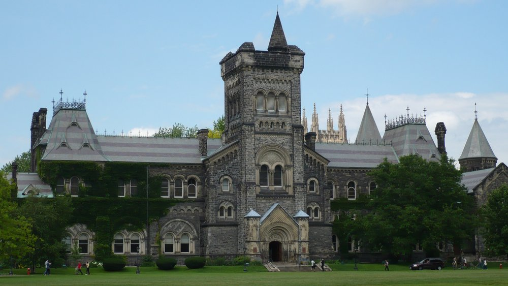 U of T by Nat [CC BY-SA (https://creativecommons.org/licenses/by-sa/3.0)]