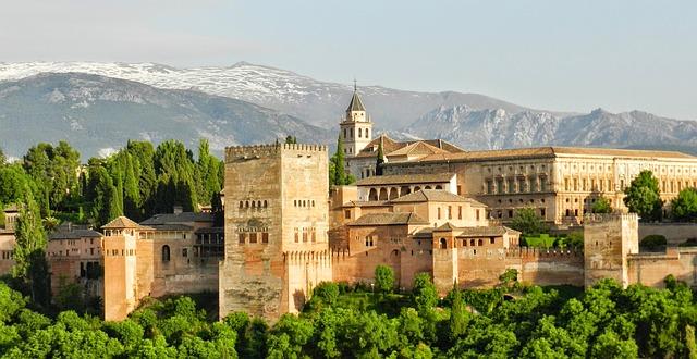 Alhambra via https://pixabay.com/en/alhambra-granada-andalusia-spain-967024/
