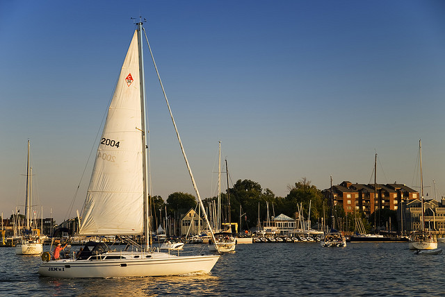 Entering Annapolis Harbor by https://www.flickr.com/photos/jeffweese/