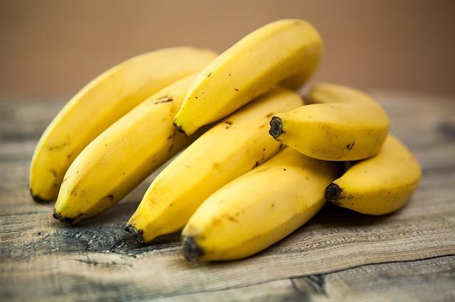 Bananas via https://pixabay.com/en/bananas-fruit-tropical-fruits-food-818176/