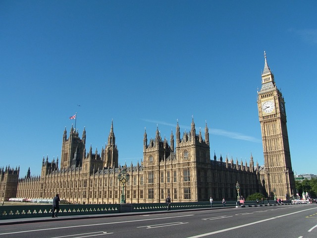 Big Ben via https://pixabay.com/static/uploads/photo/2012/11/19/00/10/big-ben-66499_640.jpg