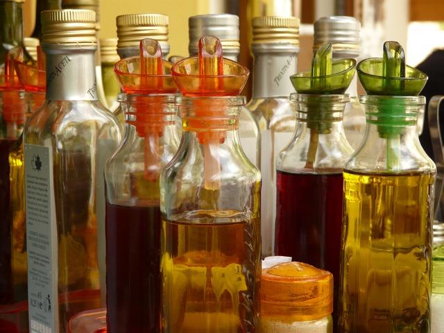 Bottles of Oil and Vinegar via https://pixabay.com/en/bottle-bottles-vinegar-oil-589/