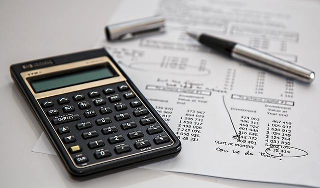Accountant's calculator via https://pixabay.com/en/calculator-calculation-insurance-385506/