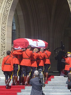 picture of canadian coffin By Jonathon Simister (Own work) [CC BY-SA 3.0 (https://creativecommons.org/licenses/by-sa/3.0)], via Wikimedia Commons