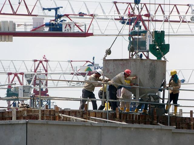 Concrete work via https://pixabay.com/en/construction-crane-271873/