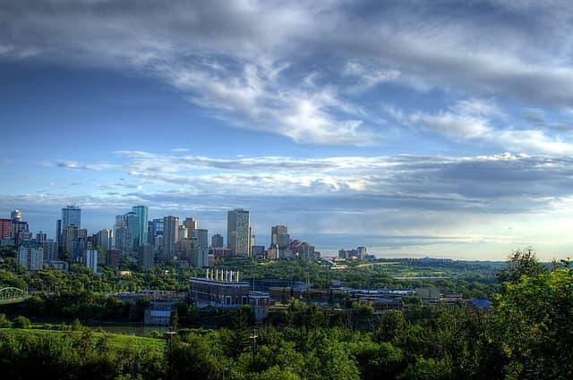 Edmonton via https://pixabay.com/en/edmonton-canada-city-cities-77798/