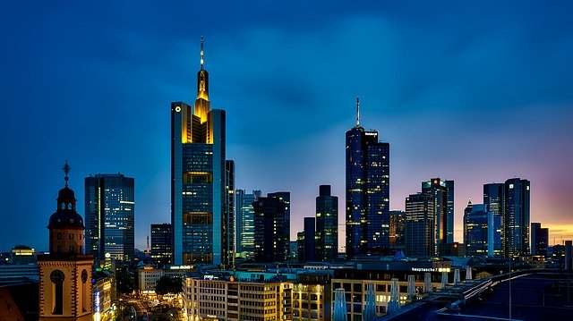 Frankfurt via https://pixabay.com/en/frankfurt-germany-panorama-city-1804481/