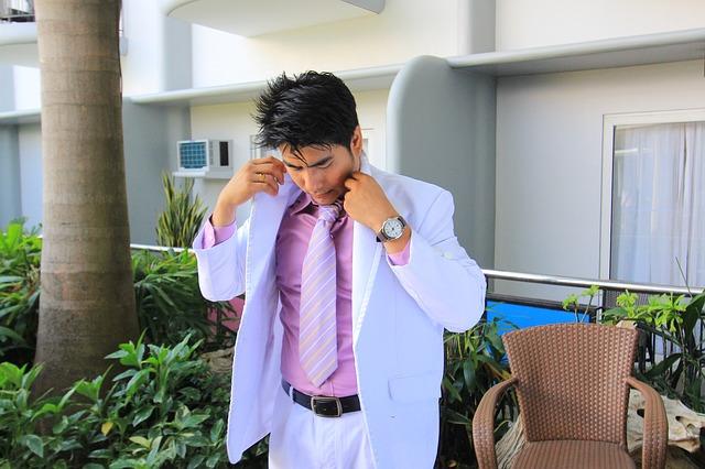 Businessman via https://pixabay.com/en/handsome-guy-businessman-guy-880739/