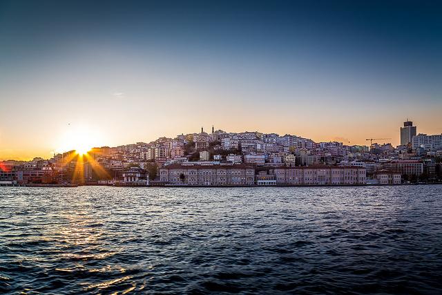 Istanbul by Robert S. Donovan https://flic.kr/p/n1bzNC