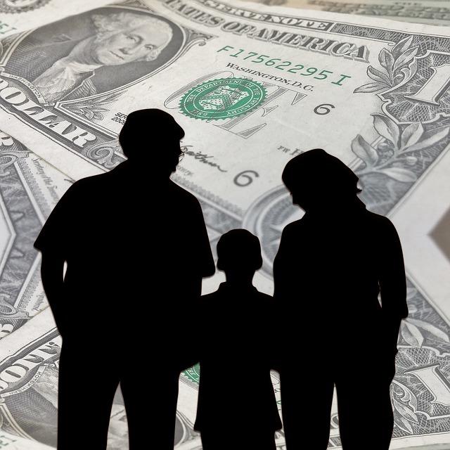 Family and money via https://pixabay.com/en/family-dollar-money-hedged-forward-960451/