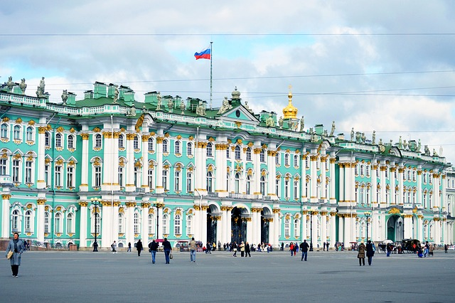 Russian Flag via https://pixabay.com/en/flag-of-russia-russia-on-the-sea-2414964/