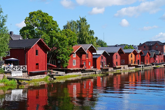Houses in Porvoo via https://pixabay.com/en/wooden-houses-old-town-river-796386/