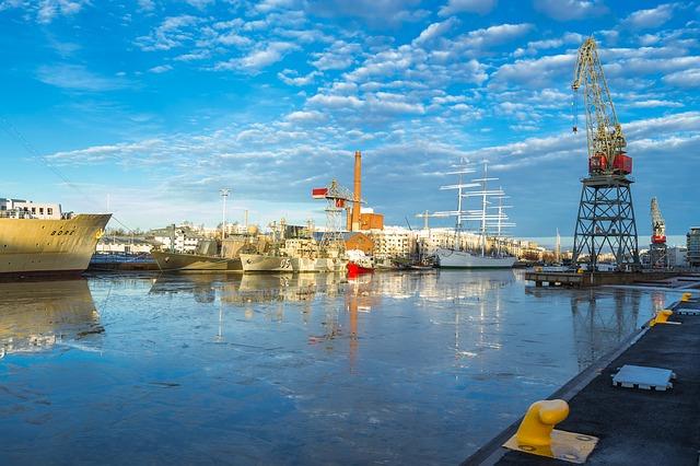 River port in Finland via https://pixabay.com/en/river-crane-landscape-turku-1929303/
