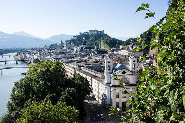 Salzburg via https://pixabay.com/en/salzburg-austria-old-town-m%C3%B6nchberg-842215/
