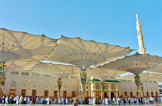 Mosque in Saudi Arabia via https://pixabay.com/en/prophet-mosque-masjid-islam-muslim-2249759/