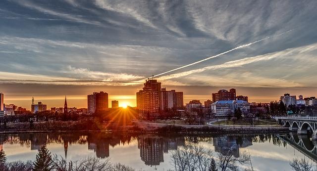 Saskatoon via https://pixabay.com/en/sunset-saskatoon-landscape-370244/