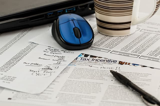 Tax forms via https://pixabay.com/en/tax-forms-income-business-468440/