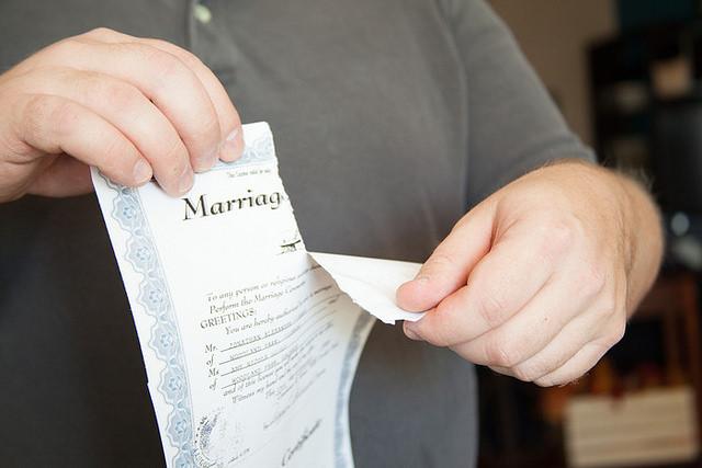 Divorce by https://www.flickr.com/photos/128299857@N03/