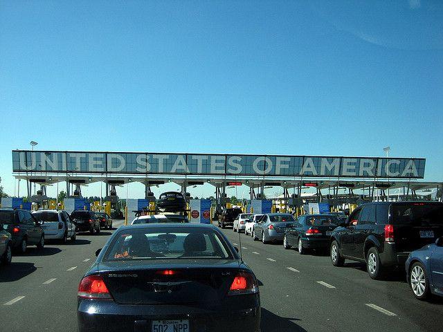 US Border Checkpoint via https://www.flickr.com/photos/mpd01605/3939455673