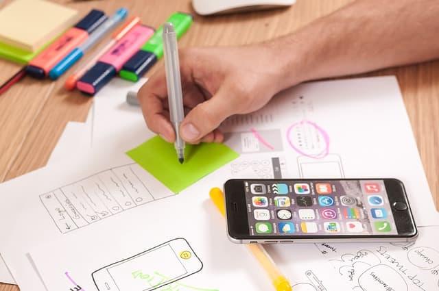 UX Designer via https://pixabay.com/photos/ux-design-webdesign-app-mobile-787980/