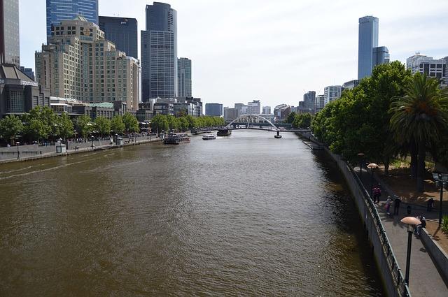 Yarra River in Melbourne via https://pixabay.com/en/yarra-river-melbourne-australia-83116/