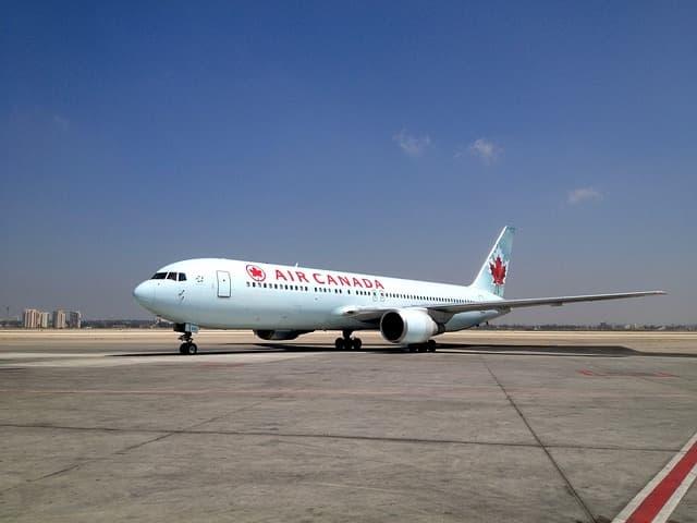 Air Canada plane via https://pixabay.com/photos/air-port-airplan-israel-bgn-996517/