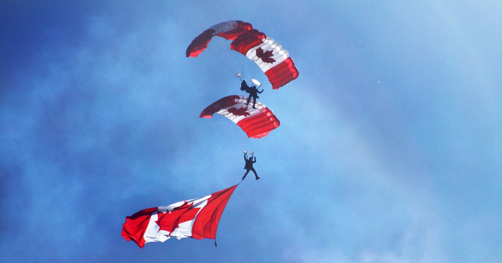 New Canadians soaring to the top --------------------------- Ken Lord /  Flickr / CC BY-NC-SA