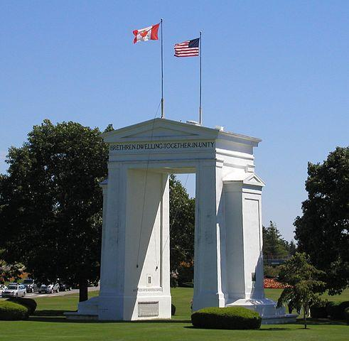 US Canada Border By Waqcku at English Wikipedia (Transferred from en.wikipedia to Commons.) [Public domain], via Wikimedia Commons