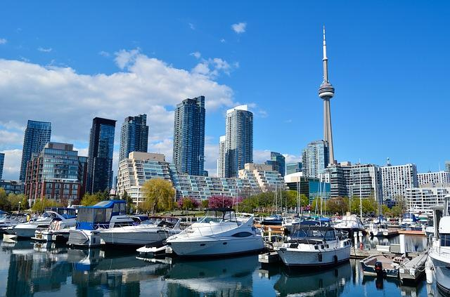Toronto via https://pixabay.com/en/toronto-canada-cn-tower-skyscrapers-1426205/