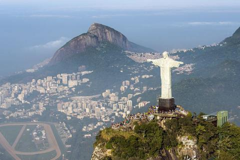Christ the Redeemer By Chensiyuan (Own work) [CC-BY-SA-4.0 (http://creativecommons.org/licenses/by-sa/4.0)], via Wikimedia Commons