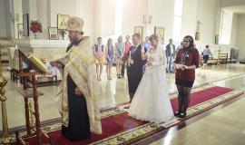 Wedding in an Orthodox Church via https://pixabay.com/en/wedding-church-pastor-priest-433657/