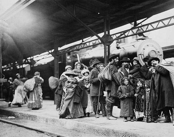 Arrival of immigrants at Union Station, Toronto