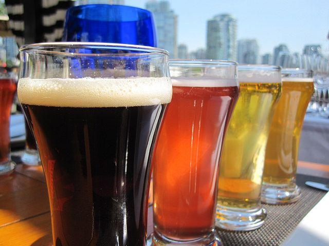 Flight of Beers by https://www.flickr.com/photos/128012202@N05/