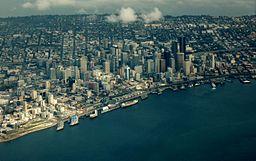 Seattle By Dcoetzee (Own work) [Public domain], via Wikimedia Commons