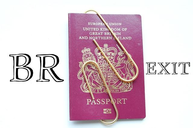 Brexit via https://pixabay.com/en/brexit-passport-control-closed-2320724/