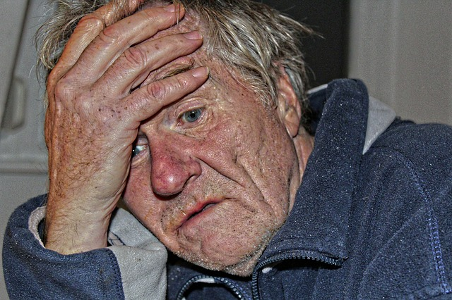 Man with Dementia via https://pixabay.com/en/old-people-s-home-dementia-man-old-524234/